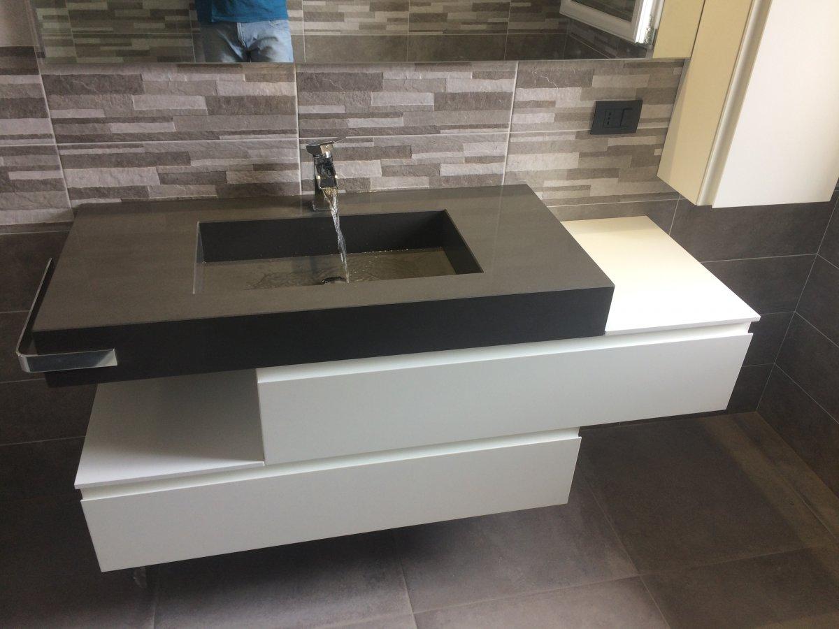 Tutti i bagni da noi realizzati progettati su misura