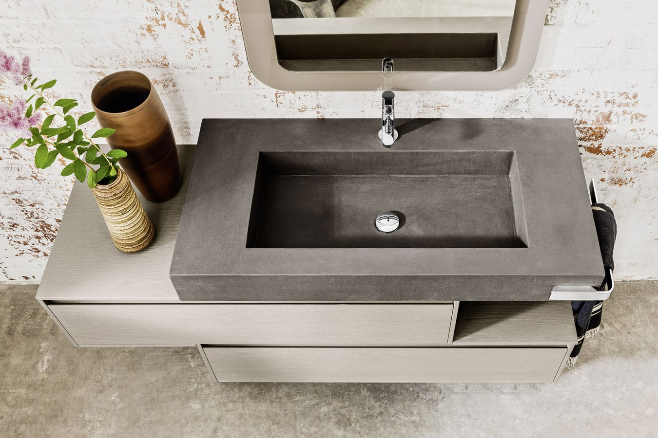 Mobili classici o moderni per l 39 arredamento del tuo bagno for Mobili bagno a terra moderni